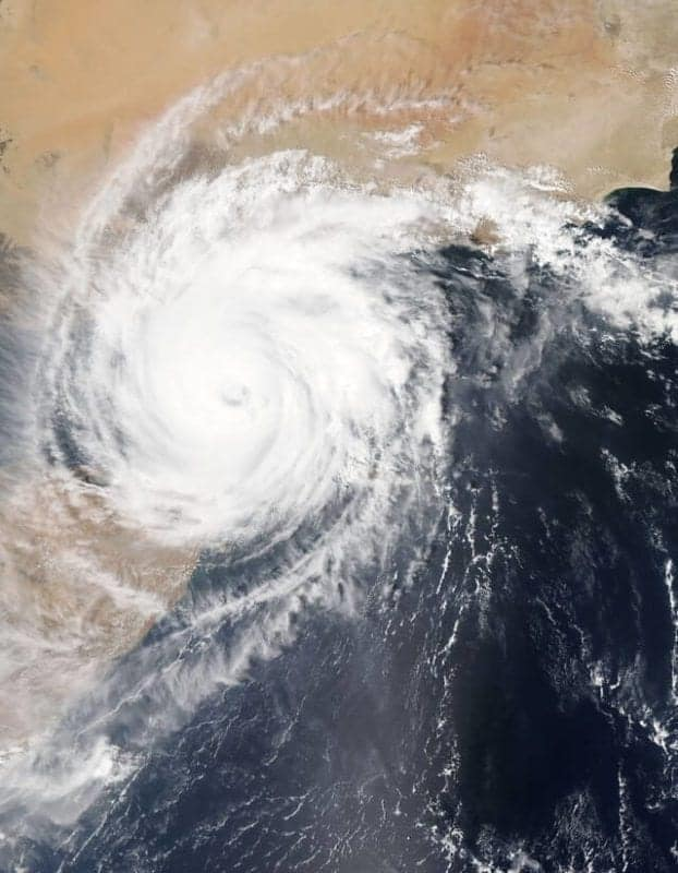 hurricane safety tips, safety tips for hurricanes, water contamination, drinking contaminated water